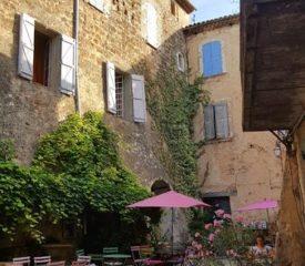 Vieux village Villecroze