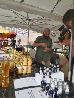 Sur le marché de Solliès-Toucas