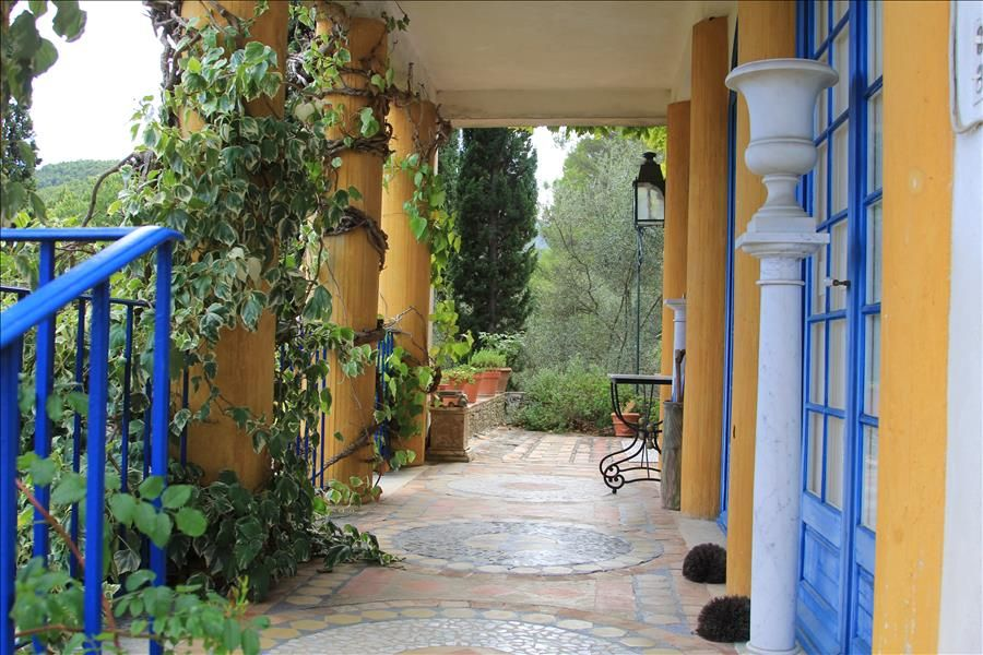 Villa Blasco Mentor